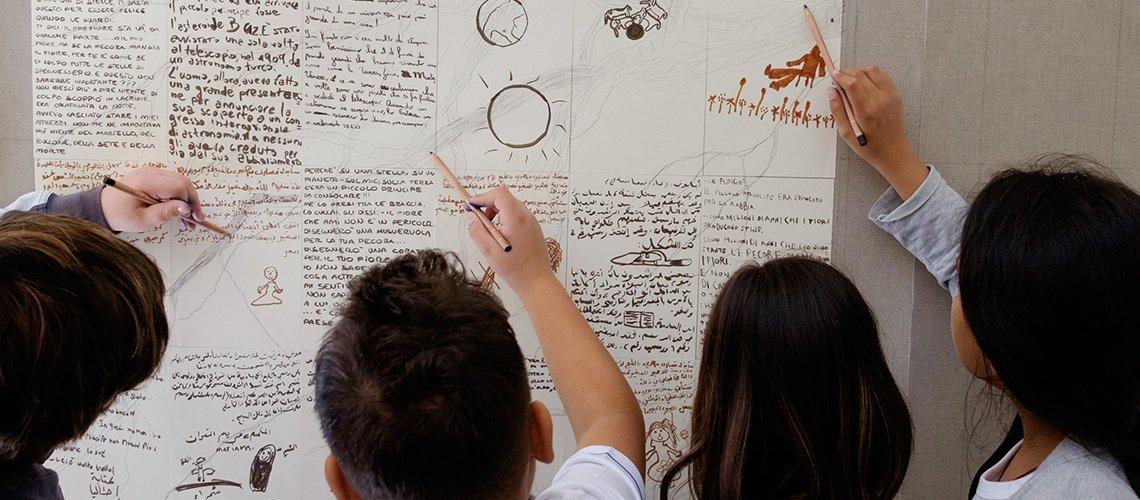 Bambini disegnare in gruppo Terapia Ricreativa
