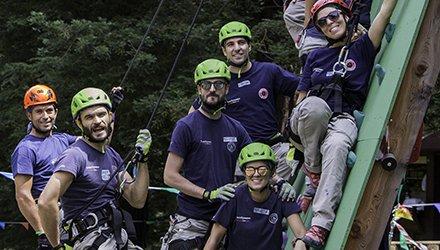 Staff Dynamo fa squadra vicino ad attività di arrampicata