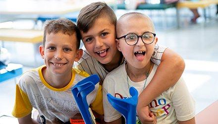 Bambini malati ospiti a Dynamo Camp ridono