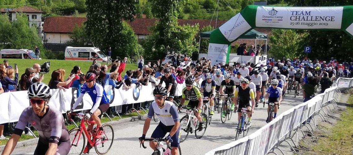 gara di bici a squadre per sostenere Dynamo Camp