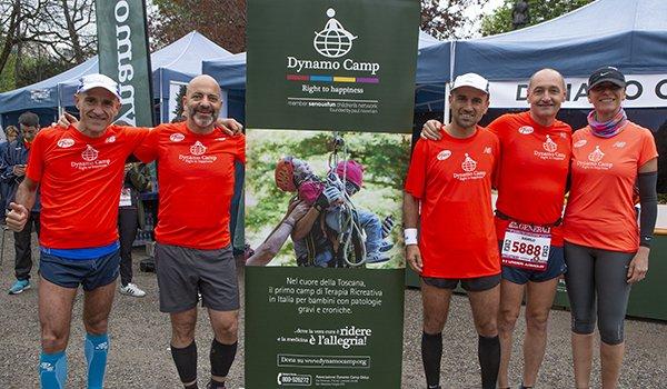 runner con maglia Dynamo alla Milano Marathon