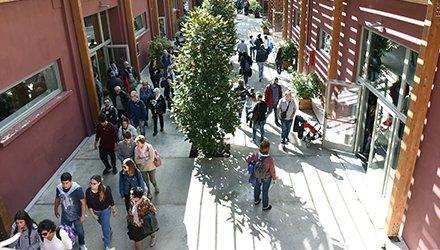 Open Day persone visitano Dynamo Camp
