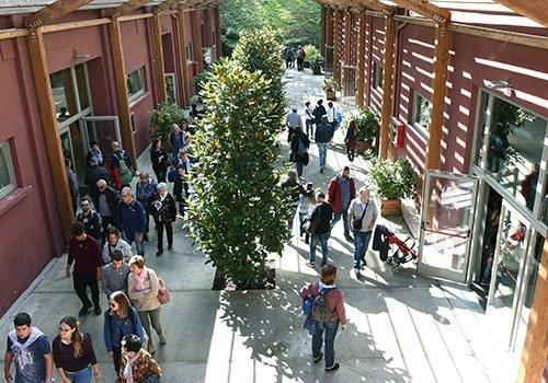sabato di Open Day persone visitano Dynamo Camp