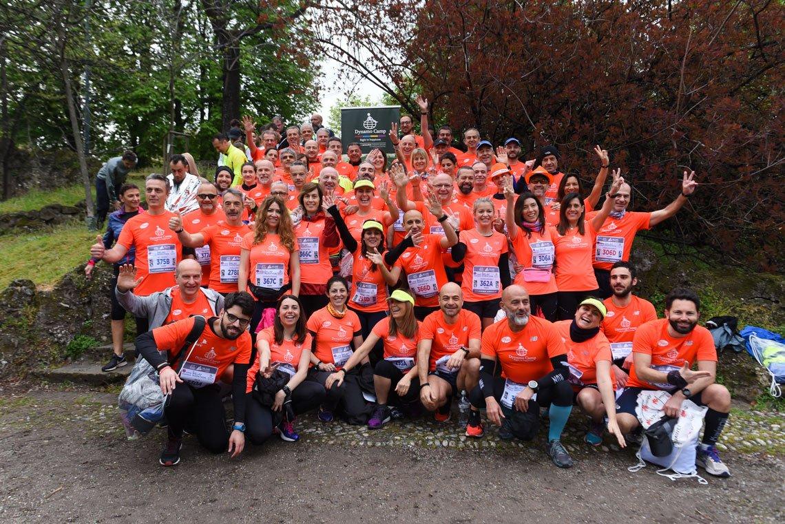 Dynamo Marathon 2020 runners salutano